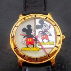 Mickey Mouse - Classic Mickey Mouse Standing in Front of Mirror Admiring His Reflection Wristwatch with  Gold Bezel
