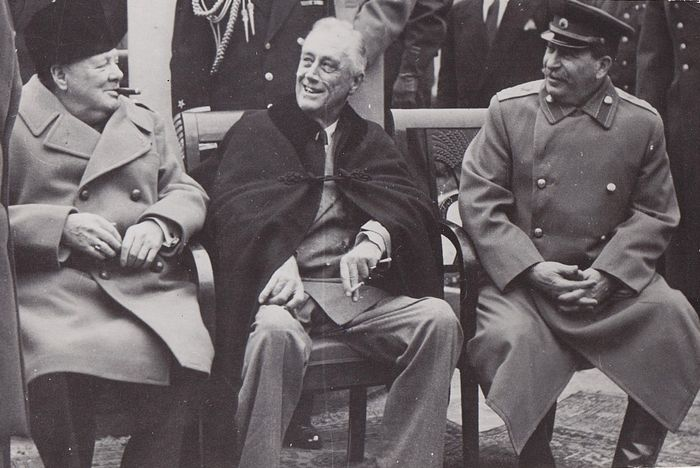 Unknown/ A.B Text & Bilder - Churchill, Roosevelt and Stalin at the Yalta Conference 1945