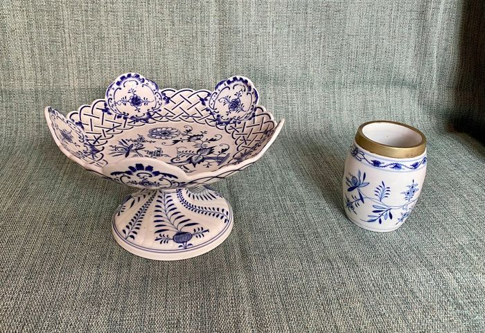 Compote bowl on foot and jar (2) - Porcelain
