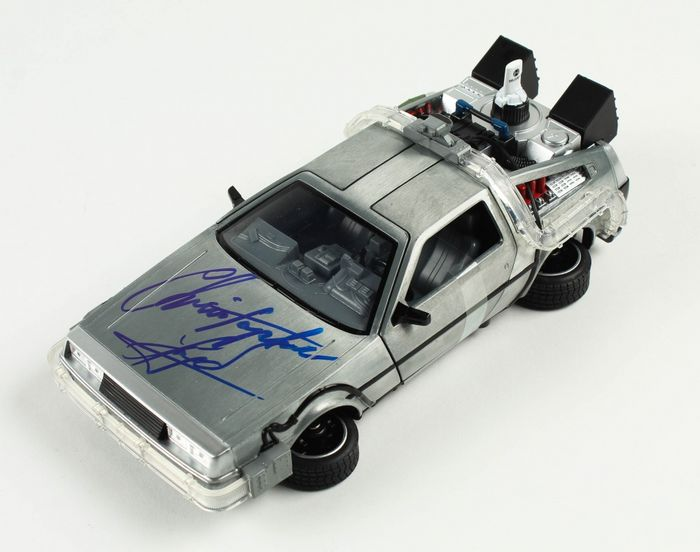 Retour vers le futur - Christopher Lloyd (Doc Brown) - 1:24 - Autographe, Véhicule Signed Car model DeLorean Time Machine, with COA