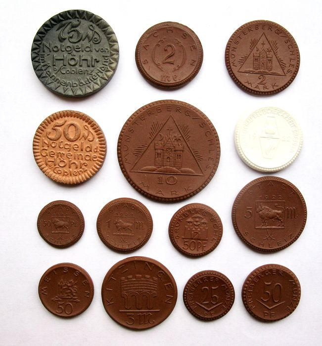 Duitsland. Porcelain emergency coins 25 Pfennig up to and including 10 Mark 1921/1922 (14 different coins) incl. 3x Stadt Schleiz (scarce)