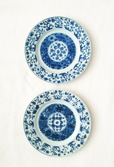 Platos (2) - Floral - Porcelana - China - Kangxi (1662-1722)