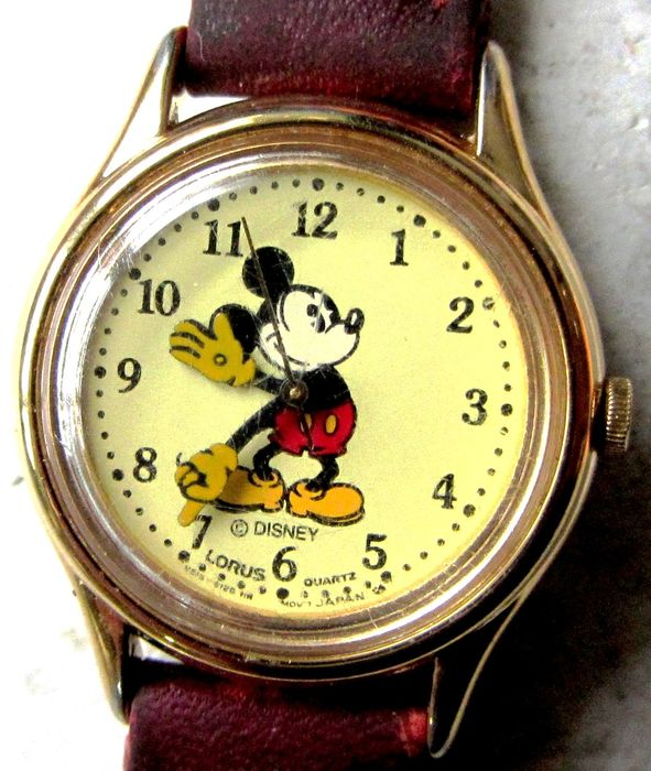"Disney - Vintage 26mm MICKEY MOUSE ""Moving Hands"" by LORUS (Seiko) V515-6080 A1 (V515-6128 HR dial)"