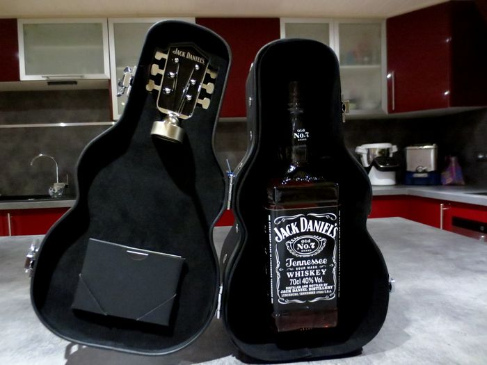Jack Daniel's Old No 7 - Guitar Edition - 70cl