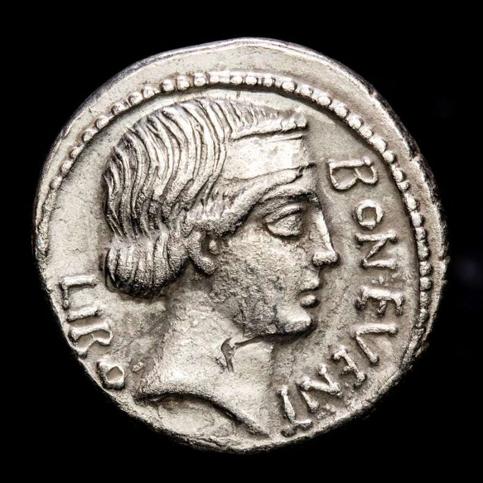 Romeinse Republiek. L. Scribonius Libo, 62 v.Chr.. AR Denarius,  Rome - PVTEAL SCRIBON. decorated with garland and two lyres; hammer