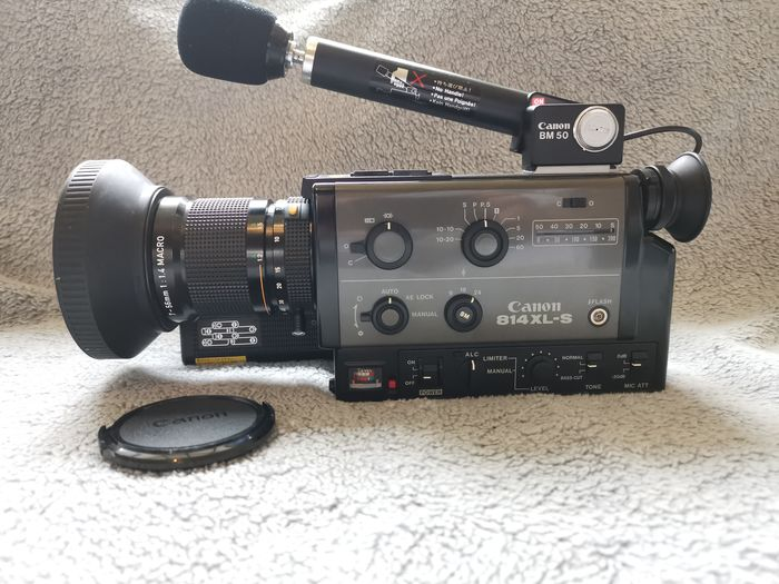 Canon 814 XL-S Super 8 camera in Near Mint condition with Canon Zoom Lens C8 7-56 mm 1:1.4 macro