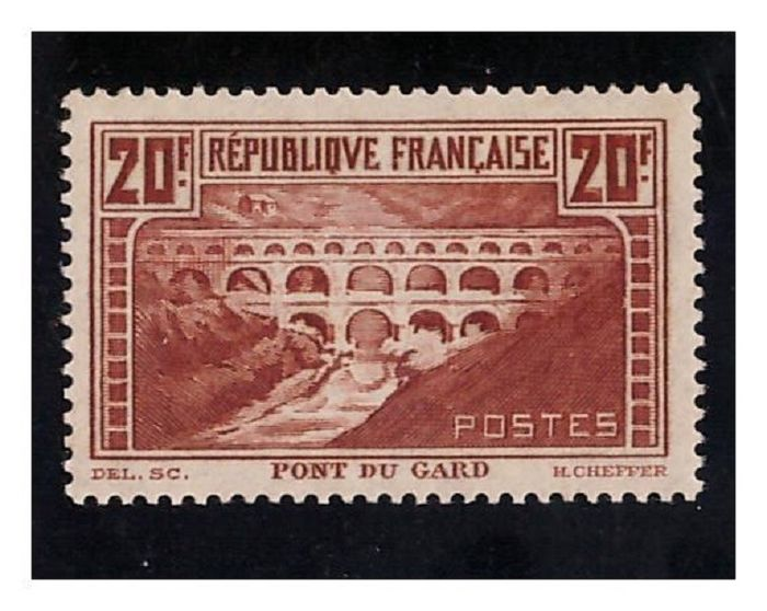 France 1930 - Rare mint stamps, 'Le Pont du Gard' 20 francs, copper ** deluxe, first choice. - Yvert n°262 (IIB)