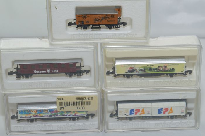 Märklin Z - Freight carriage, Passenger carriage - 5 different museum and special cars - DB