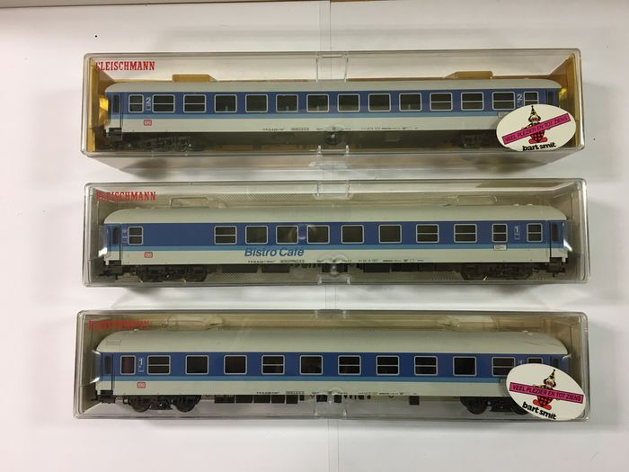 Fleischmann H0 - 5176 / 5177 / 5178 - Passenger carriage set - 3 carriages with built-in lighting - DB