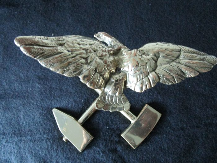 Eagle on Stand (1) - Bronze