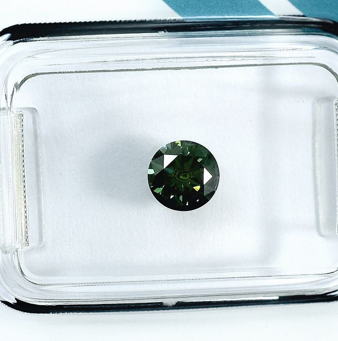 Diamante - 0.57 ct - Brillante - Fancy Intense Greenish Blue Colour Treated - I1