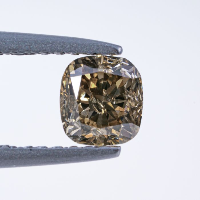 Diamante - 0.73 ct - Cojín - Natural Fancy Light Brownish Yellow - I1 - NO RESERVE PRICE