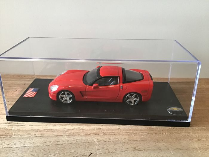 Replicars - 1:43 - 2004 - Chevrolet Corvette Z51 C6 - Red - Limited Edition