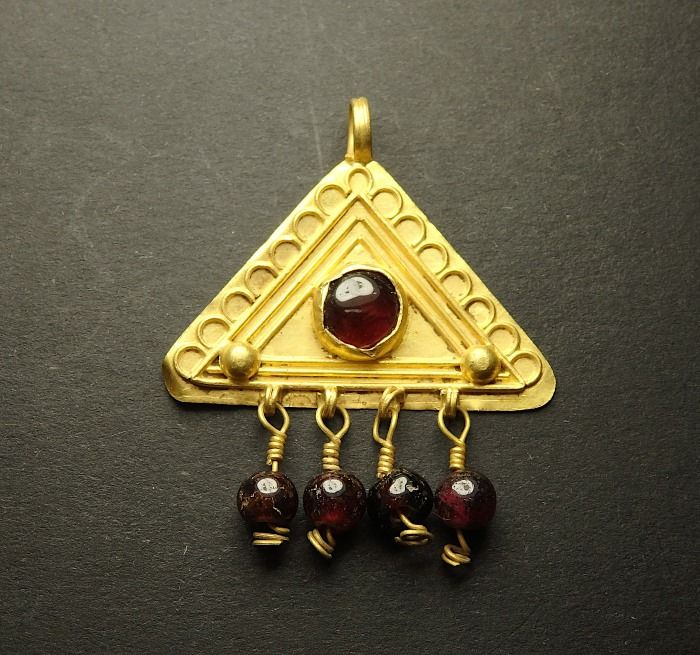 Ancient Roman Gold Pendant With Garnets - 35mm tall