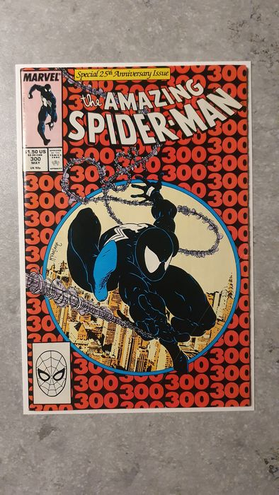 Amazing Spider-Man #300 - KEY BOOK! First full appearance of Venom, First issue inked by Todd McFarlane; Spider-Man's 25th An. - Softcover - Erstausgabe - (1988)