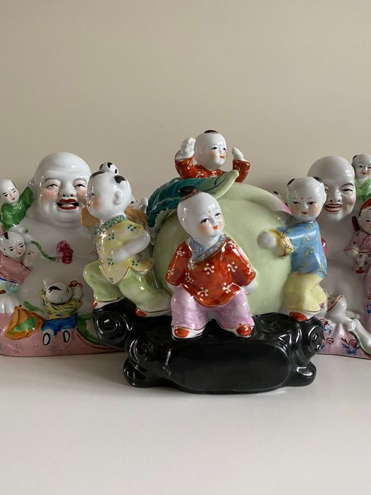 Esculturas (3) - Porcelana - Two Buddha's and a peach with children - China - Segunda mitad del siglo XX