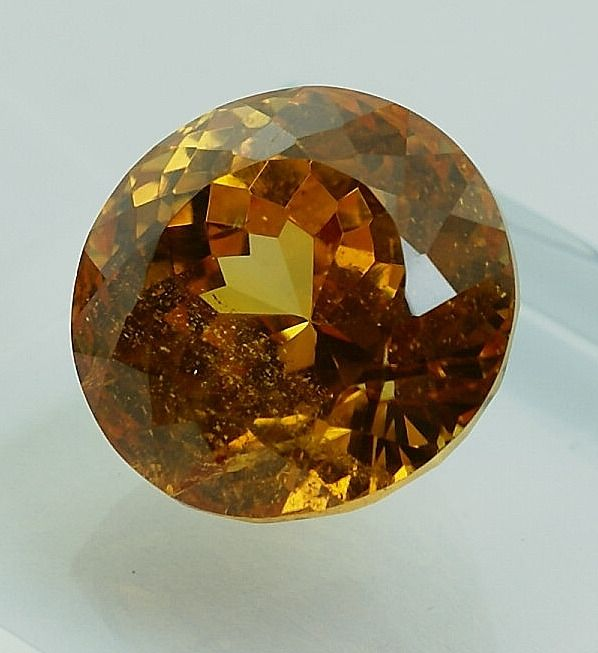 Orange Scheelite - 80.75 ct
