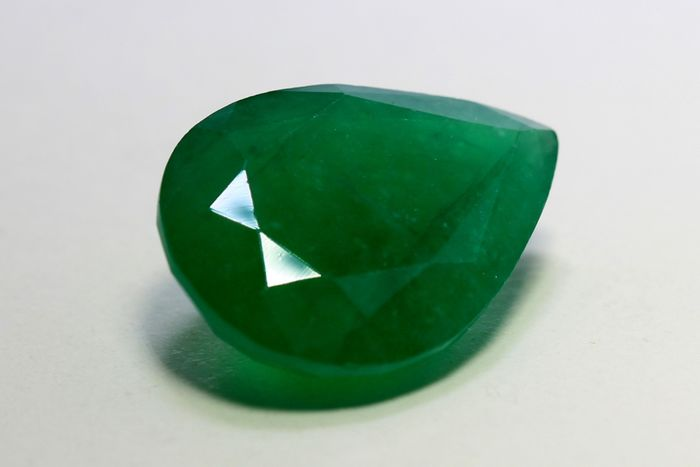 No reserve price - Zambia - Deep Green Emerald - 10.11 ct