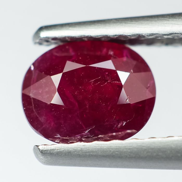 "Sin reserva - ""Pigeon Blood"" Red Ruby - 1.09 ct"