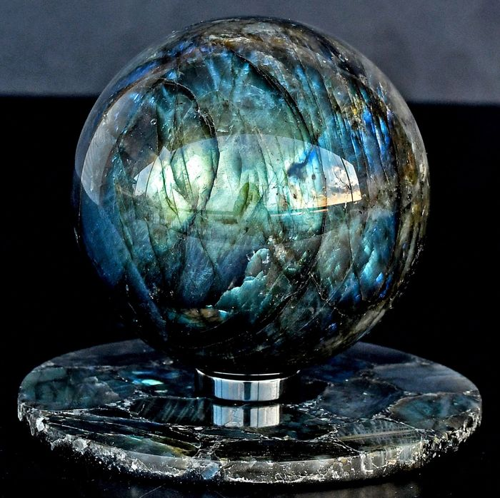 High quality Labradorite sphere and plate - 8×8×8 cm - 925 g - (2)