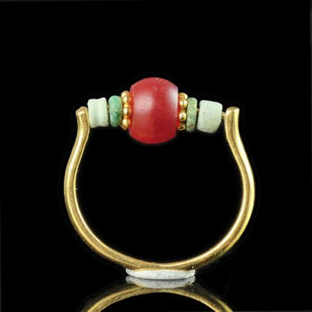 Ancient Egyptian Carnelian Ring with faience and carnelian beads - (1)