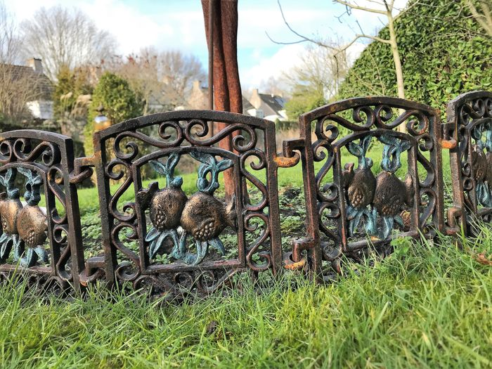 Flowerbed fence (5) - Iron (cast) - recent