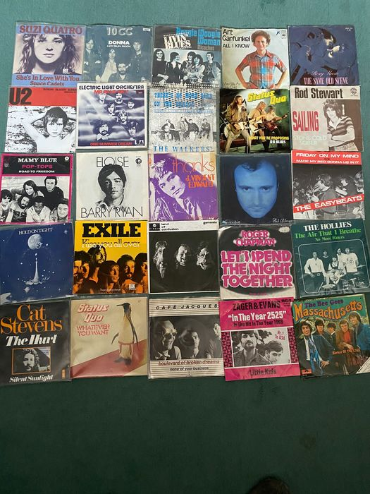 10cc & Related, Art Garfunkel & Related, Cat Stevens, Genesis & Related, Hollies & Related - Artisti vari - 25 top singles from the seventies from own collection - Titoli vari - Singolo 45 Giri - 1969/1978