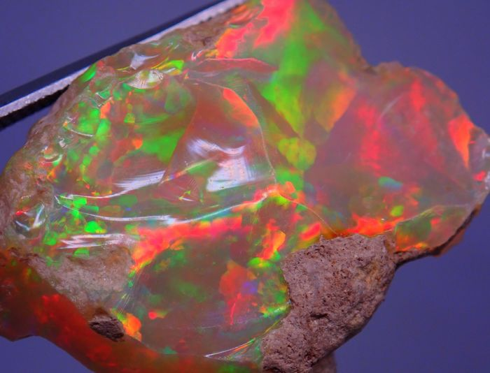 Beautiful A + Hydrophan Welo Opal Untreated 33,425ct - 31.59×27.89×13.09 mm - 6.685 g