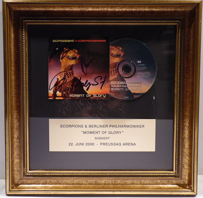 Scorpions - Moment of Glory - CD, Signed memorabilia (original authograph) - 2000/2000