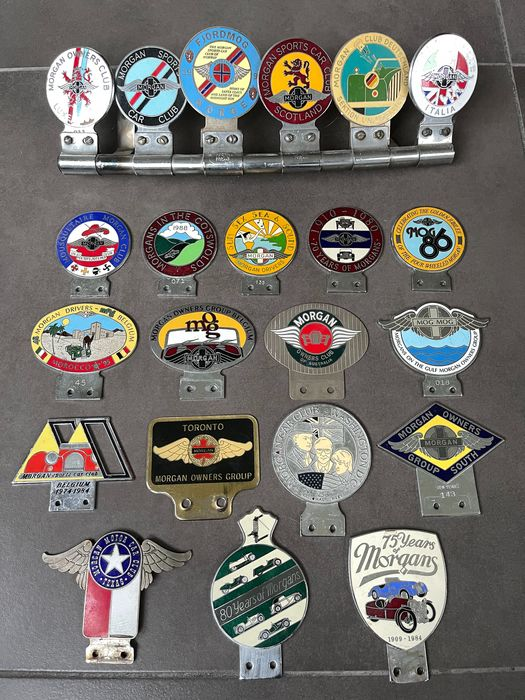 Emblemat/ maskotka/ odznaka - Collection de 22 Badges Automobiles MORGAN - Morgan