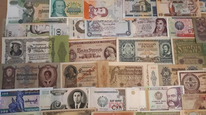 World - 100 banknotes - Various dates