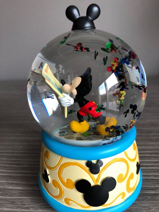 Disney Parks - Musical Snowglobe - Mickey Mouse