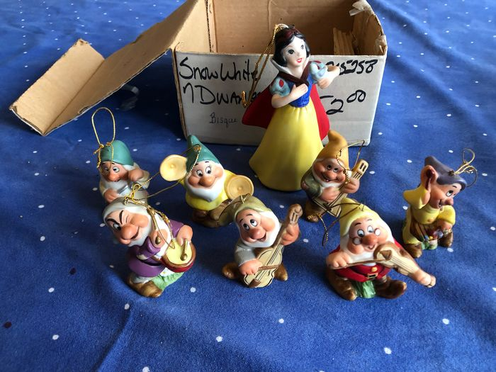 Disney / Schmid - 8 Bisque Statuettes - Snow White and the Seven Dwarfs - 50th Anniversary - (1987)