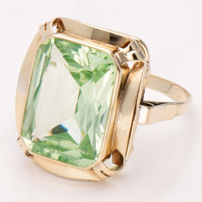 14 kt Gold - Ring - 0.51 ct Spinell