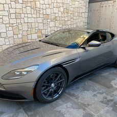 Aston Martin - DB11 Coupé 5.2 V12 - 2018