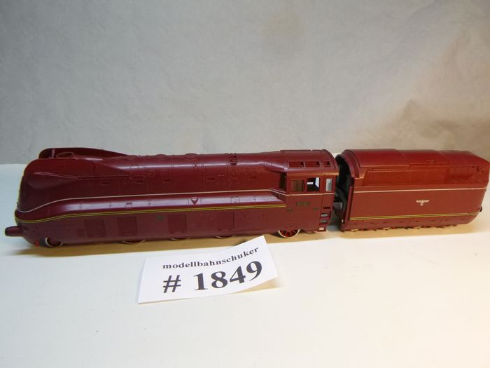 Fleischmann H0 - 4173 - Steam locomotive with tender - BR 03.10, streamline red - # 1849 - DR (DRB)