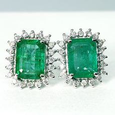 18 kt. White gold - Earrings - 2.55 ct Emeralds - Diamonds