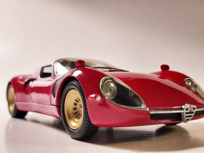 Whitebox - 1:24 - Alfa Romeo Tipo 33 street version