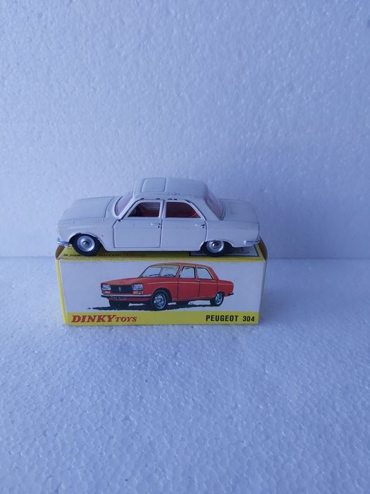 Dinky Toys - 1:43 - Peugeot 304 - 1428