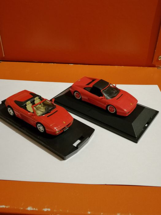 Bang - 1:43 - Bang Ferrari 348 spider en Herpa ferrari 348 S - Herpa model is limited edition