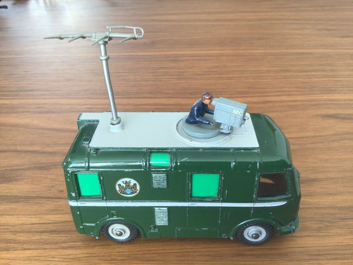 Dinky Toys - 1:43 - Dinky supertoys No 968 TV roving eye