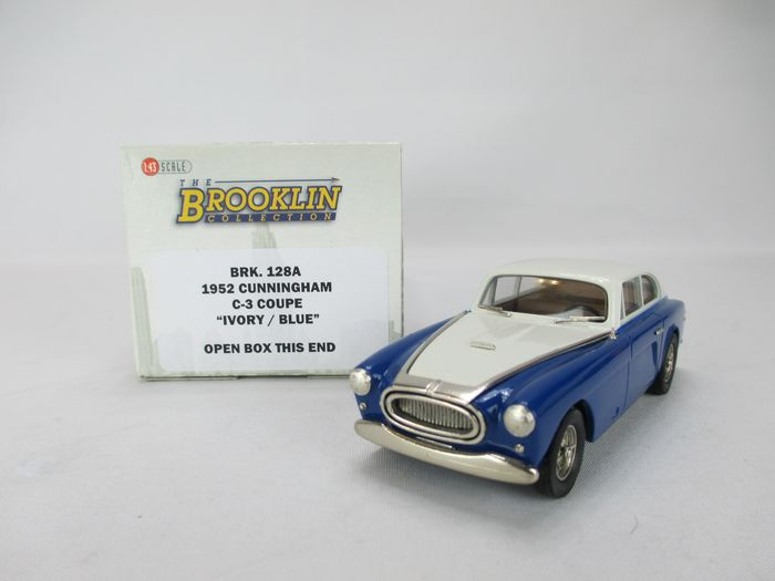 Brooklin - 1:43 - BRK 128 A - 1952 Cunningham C-3 Continental Coupé in mint condition and original packaging