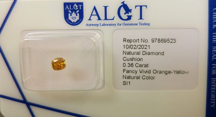 1 pcs Diamante - 0.36 ct - Cojín - fancy vivid orange yellow - SI1