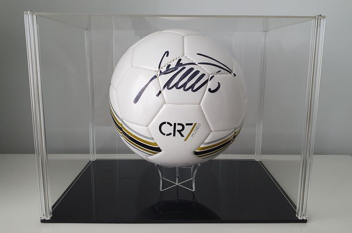 Real Madrid - Champions Football League - Cristiano Ronaldo - Autograph, Football