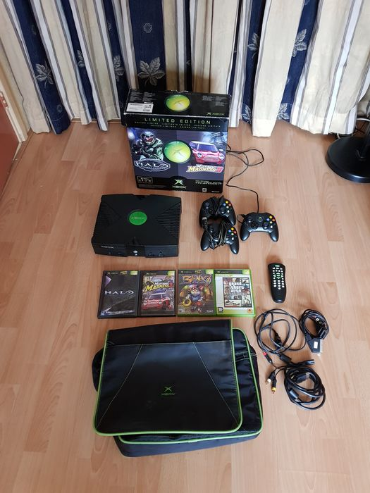 1 Microsoft Xbox  Limited  Edition - Halo + Midtown Madness 3 - Console met Games (4) - In originele verpakking
