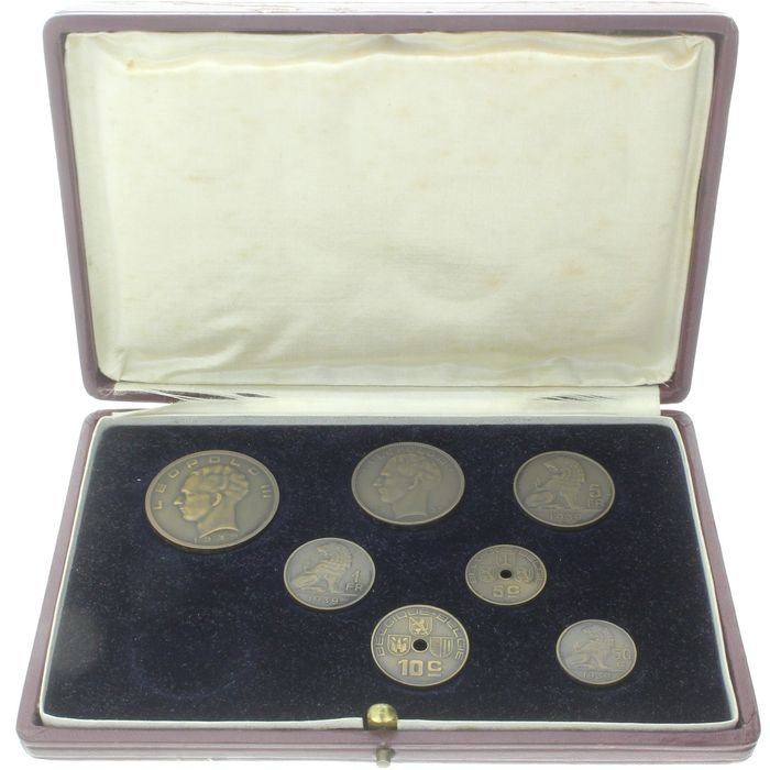 Bélgica. 5 Centimes/20 Francs 1935/1939  bronze Pattern coin set in the original presentation case