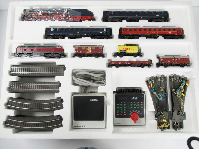 Märklin H0 - 29845 - Train set - Digital starter set with 2 digital locomotives, 7 wagons, C-track oval with electr. bills etc. - DB