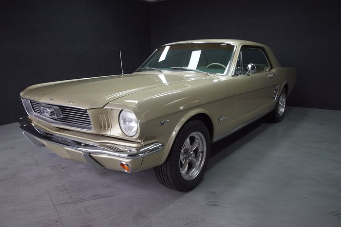 Ford - Mustang Hardtop Coupe V8 A CODE! - 1966