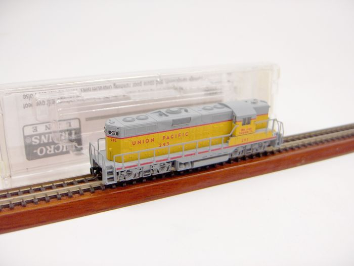 Micro Trains 98201240 Z - 98201240 - Diesellocomotief - GP 9 - Union Pacific Railroad