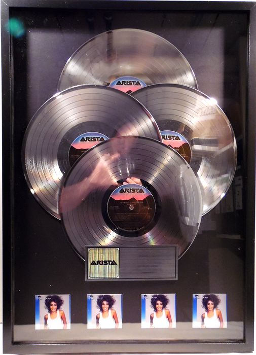 Whitney Houston - Whitney - presented to Whitney - Officieel in-House award - 1987/1987